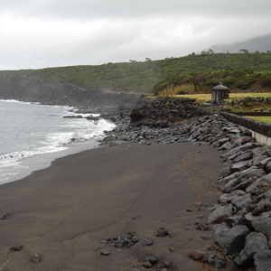 Repair and reinforcement of the coastline in the path of the lighthouse – Prainha de S. Roque – Pico, Azores.